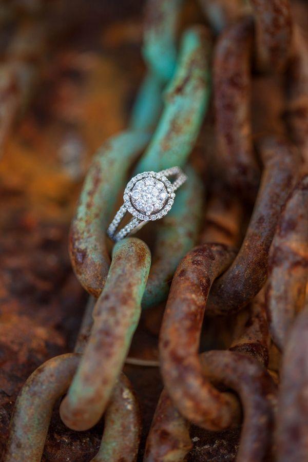 gorgeous-diamond-round-wedding-engagement-rings